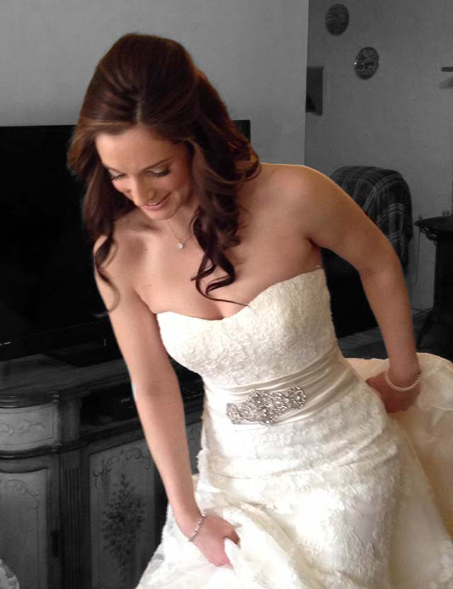 Happy bride who got her hair done at Dominic Ricci Salon in East Islip